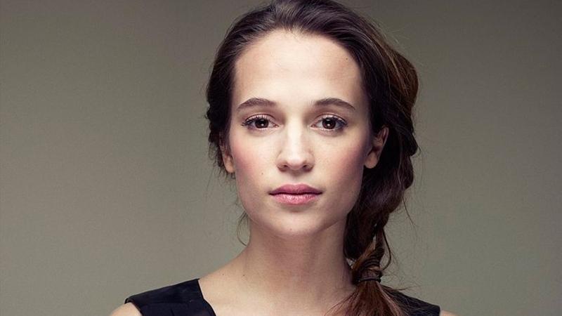 Alicia Vikander-Lara Croft